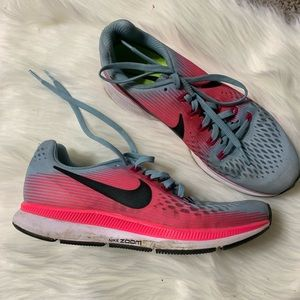 Nike zoom Pegasus 34 pink and blue running shoes